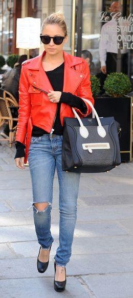 nicole richie, style, outfit, giacca rossa pelle, jeans strappati http://www.pensorosa.it/celebrities/la-ragazza-dallarmadio-perfetto-nicole-richie.html