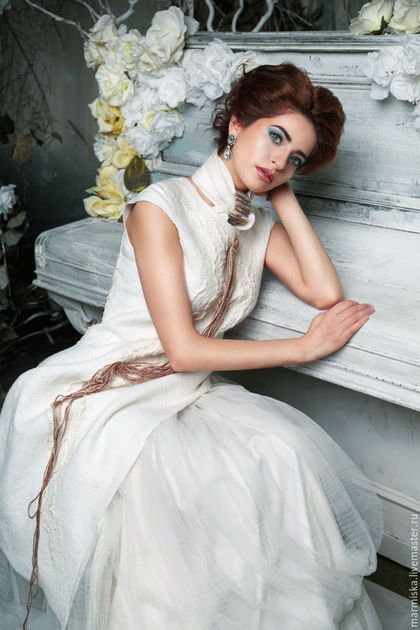 Купить или заказать Свадебноеили вечернее платье ЭТНО в интернет-магазине на Ярмарке Мастеров. Платье ЭТНО для стильных невест , богатая фактура, ассиметрия и многоуровневый декор подчеркнет стройность фигуры. Может носиться как наряд и сюбкой другого силуэта и брюками.