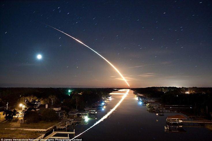 Space shuttle takeoff