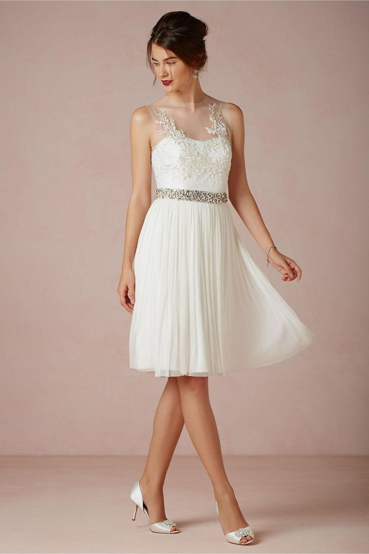 Popular Discount New Arrival Sheer Neck Knee Length Bride Reception Dresses Bridesmaid Dress Bridal Dress Embroidery See