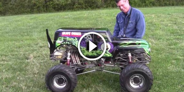 Gas Powered RC Grave Digger! MUST WATCH This Thing In Action! Just Amazing! - http://vixert.com/gas-powered-rc-grave-digger-must-watch-thing-action-just-amazing/