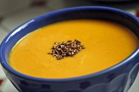Recette velouté fenouil-carottes au cumin par Audrey : Redécouvrez le fenouil, avec une touche d'exotisme..Ingrédients : poivre, carotte, fenouil, cumin, crème fraîche