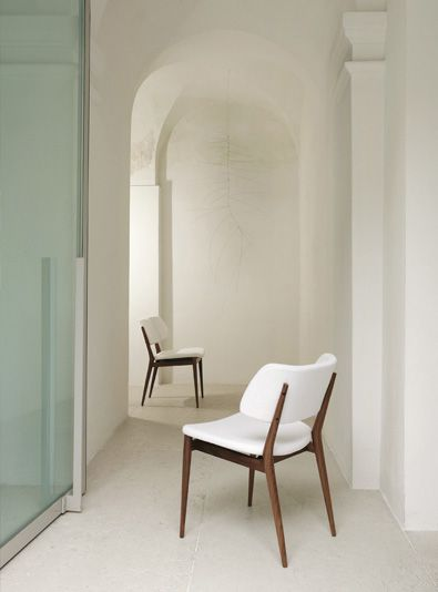 Porada Nissa Chair