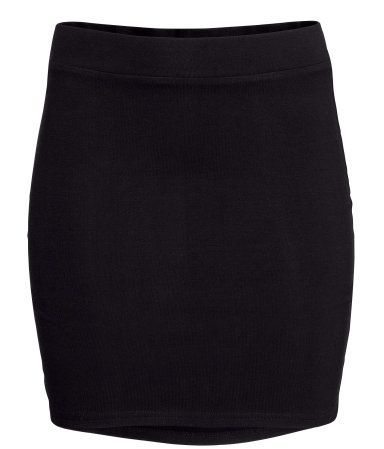 Black. Short skirt in jersey with an elasticated waist.