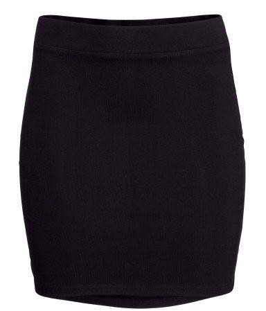 Black. Short skirt in jersey with an elasticated waist.