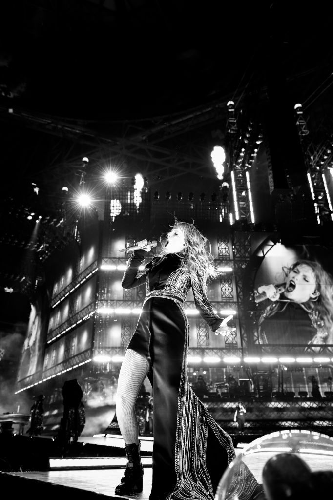 Atlanta Ga August 10 Editors Note This Image Has Been Converted To Black And White Taylor Swift Pe Taylor Swift Wallpaper Taylor Swift News Taylor Swift