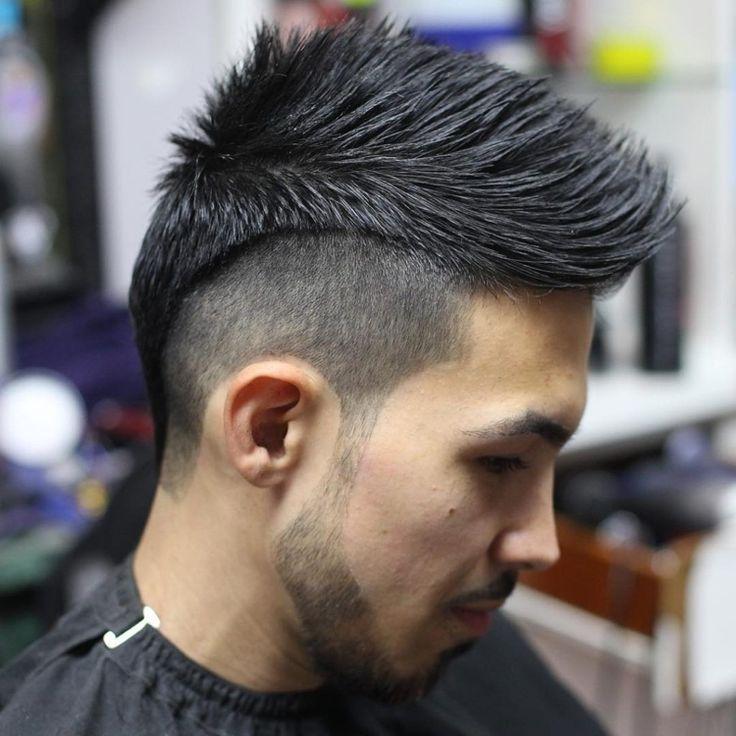Frisur Manner Iro Frisur Frisurenmanner Manner Maenner Rasiert Seite Frisuren Haarschnitt Manner Irokesenschnitt
