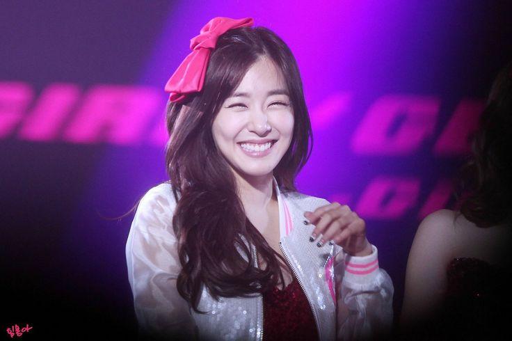 SNSD Tiffany Macau Girls Generation 140215