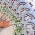 Mamele care au născut cel puțin 3 copii vor primi lunar o indemnizație de 1.000 de lei