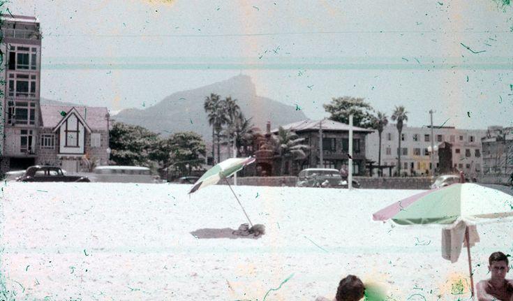 Praia do Leblo em 1962 em frente a Rua Carlos Gois