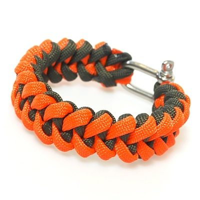 Shark Jaw Bone Pattern Made With Orange And Olive Drab 550