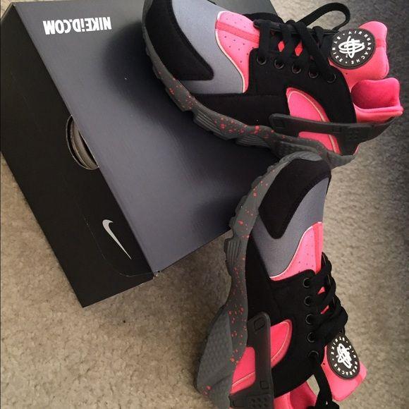 Nike ID Huarache Customized Nike ID Huarache! Brand New Nike Shoes Sneakers