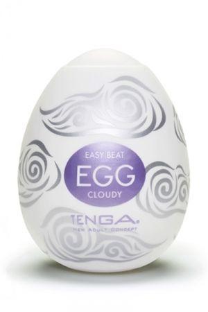 La texture épaisse en forme de nuages du masturbateur Tenga Egg Cloudy vous transporte en douceur au paroxysme du plaisir. Caractéristiques: - Masturbateur pour homme - Dimensions: 6,7 x 5,2 cm - Matière: Elastomère ultra doux et très élastique. - Taille unique, s'adapte à toutes les tailles. - Manchon étirable jusqu'à 30,5 cm en longueur - Lubrifiant inclus -Réutilisable en utilisant un préservatif ou en lavant la gaine à l'eau savonnée - Marque: Tenga