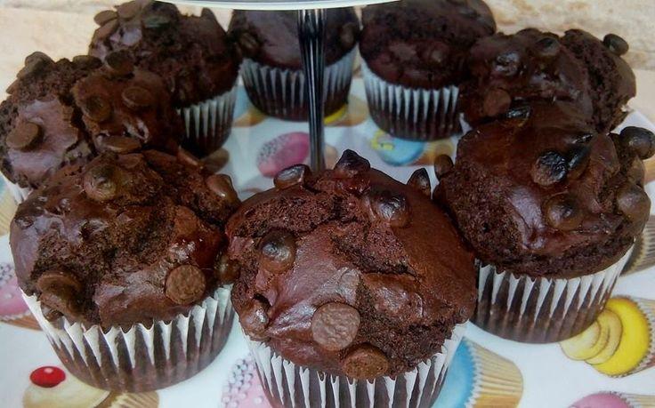 INGREDIENTES:  (12 unidades)   230 gr de harina de trigo  50 gr de cacao en polvo Valor  150 gr de azúcar  1 sobre de levadura...