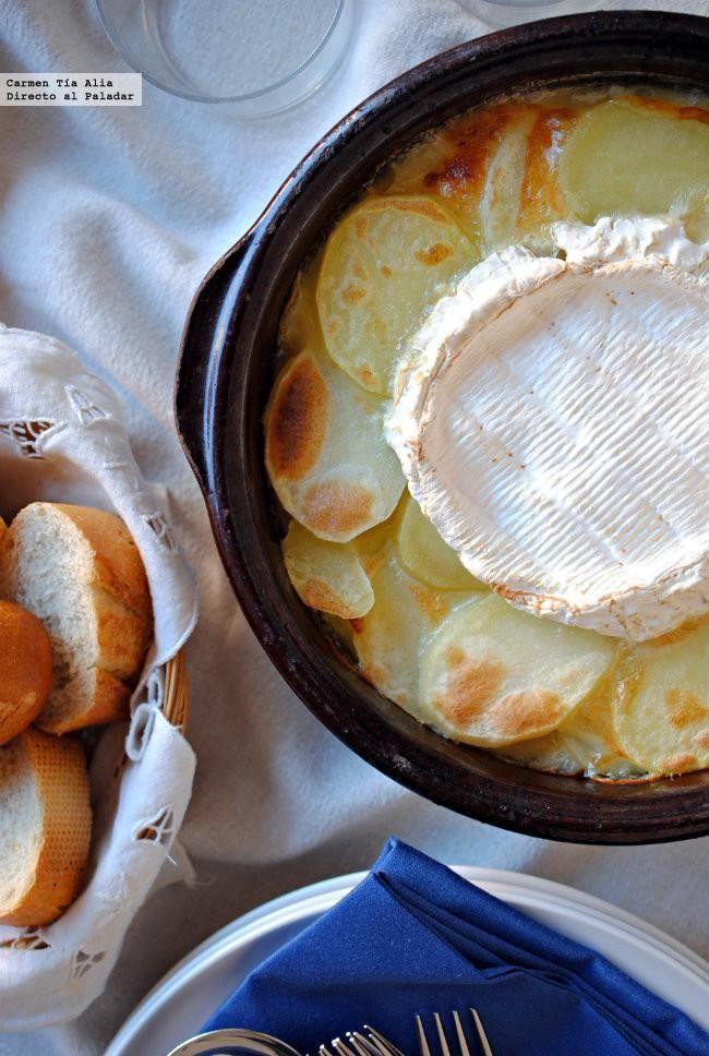 Gratén o gratinado de patatas con cebolla caramelizada y queso: receta de cocina fáci Queso Camembert, Sin Gluten, Tapas, Food Porn, Breakfast, Ethnic Recipes, Nuevas Ideas, Bechamel, Yummy Yummy