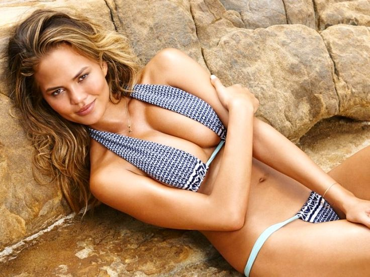 Swimsuit model lands in Houston and fans show lots of Instagram love #chrissyteigen