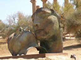 mitoraj sculpture - Google zoeken