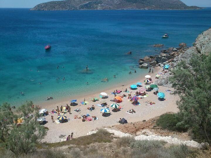 WEEKENDS | Παραλίες Αττικής: Βουτιές και φαγητό στις καλύτερες
