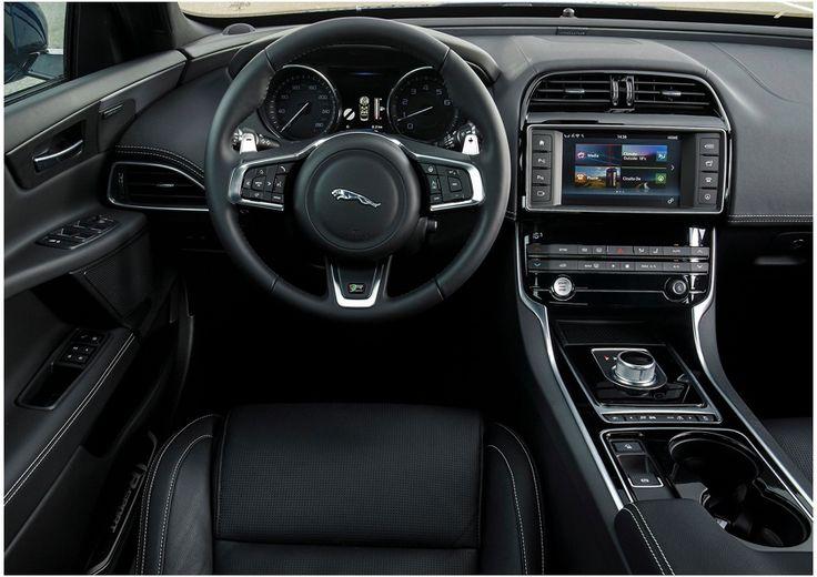После того как Jaguar X-Type покинул конвейер, в линейке стильных британцев отсутствовал компактный городской автомобиль. В компании прекрасно понимали, что эту нишу необходимо заполнить новым продуктом
