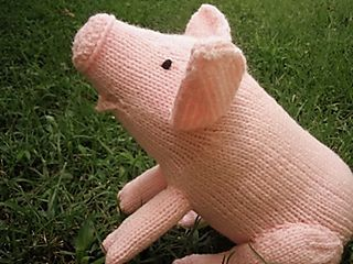 Squeeeeal! Pig knit in Red Heart Super Saver