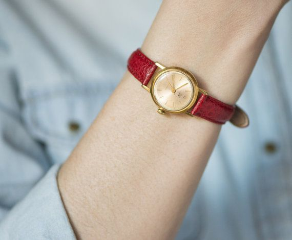 accessorising for Ingeénues: use small, dainty, feminine watches, perhaps with a couple of thin, delicate bracelets.