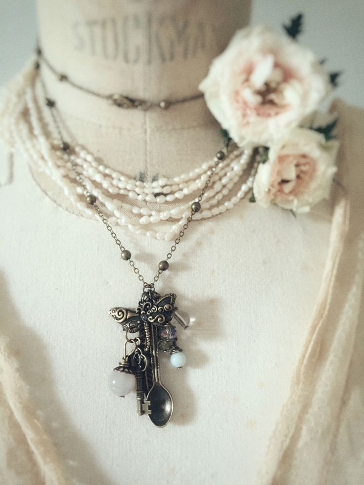 Vintage style hand made spoon necklace. Antique bronze fairy tale jewelry on www.varalusikka.fi