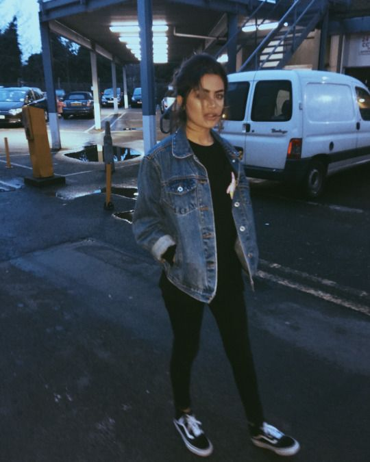 (Cold / 50/50) Girly Tomboy // Black Shirt (long sleeve), Black leggings, Jean Jacket, Black Sneakers