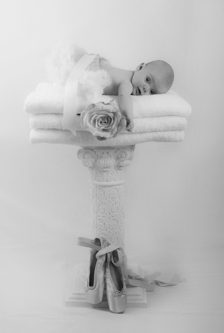 Amillia pedestal