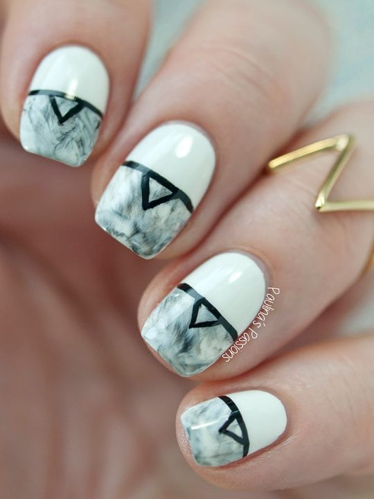 Paint All The Nails - Monochrome Marble Stone Nails