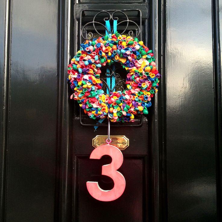 Balloon wreath / krans voor een verjaardagsfeestje