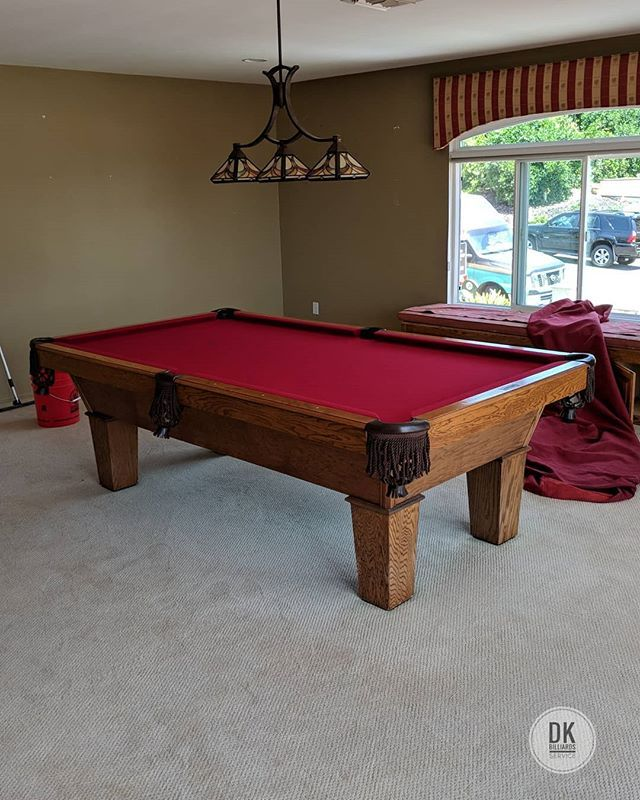 8 Foot Olhausen Drake In An Upstairs Bonus Room In Yorba Linda Going To Storage In Santa Ana It Looks To Be Abou Pool Table Garden Shed Pool Table Accessories