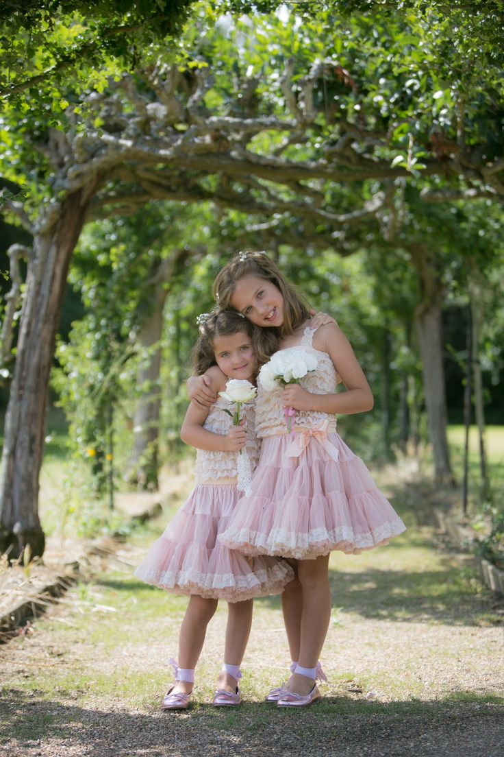 Sisterly Love €� Wearing Angels Face, Photography By Kay Young Photography  Stclere