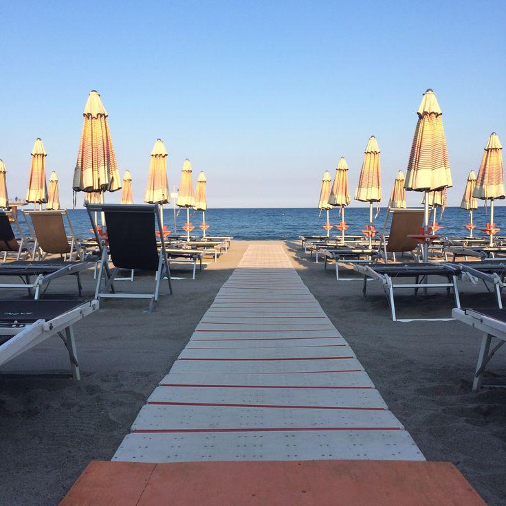 Sunset at Bagni Carlotta, stabilimento balneare, Ceriale, Liguria, ombrelloni