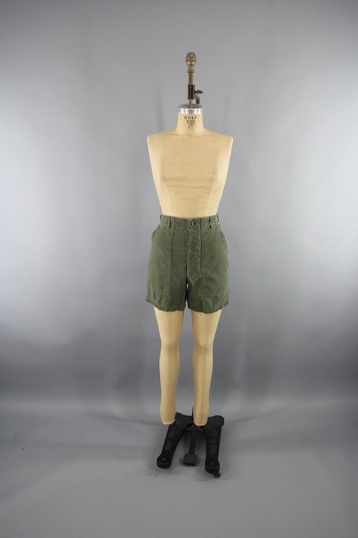 Vintage 1940s US Army Shorts / Army Green Military