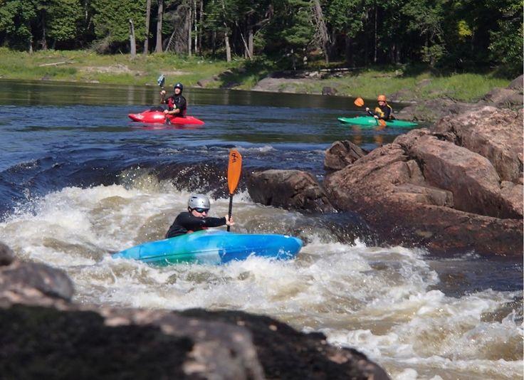 Rivière au Québec kayak