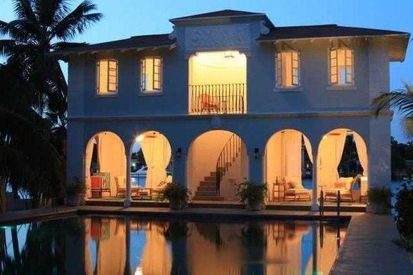 Listing of the week: Al Capone's Palm Island estate - Bottom Line