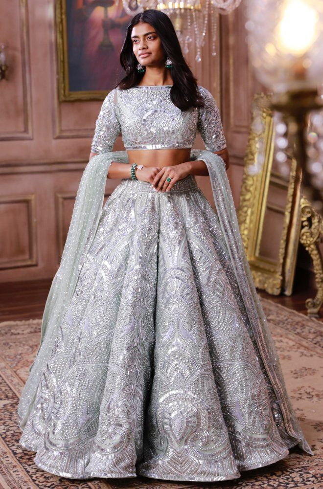 Bridal Collection Online Buy Designer Wedding Collections Designer Bridal Clothing India At Indian Bridal Outfits Indian Bridal Dress Indian Wedding Outfits