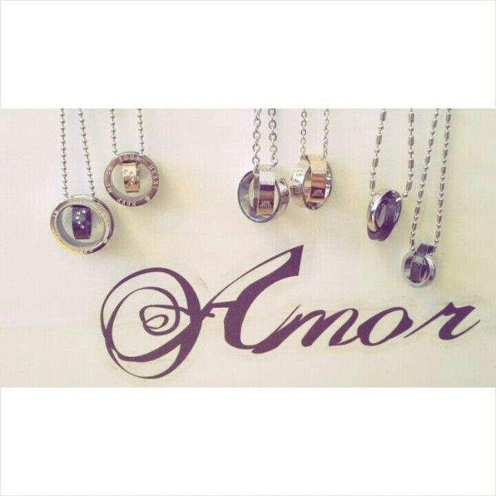 Par halsband, alla hjärtans dag, Valentin ★