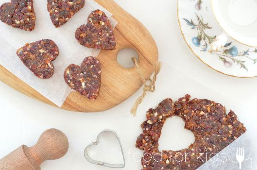 Dried fruit hearts