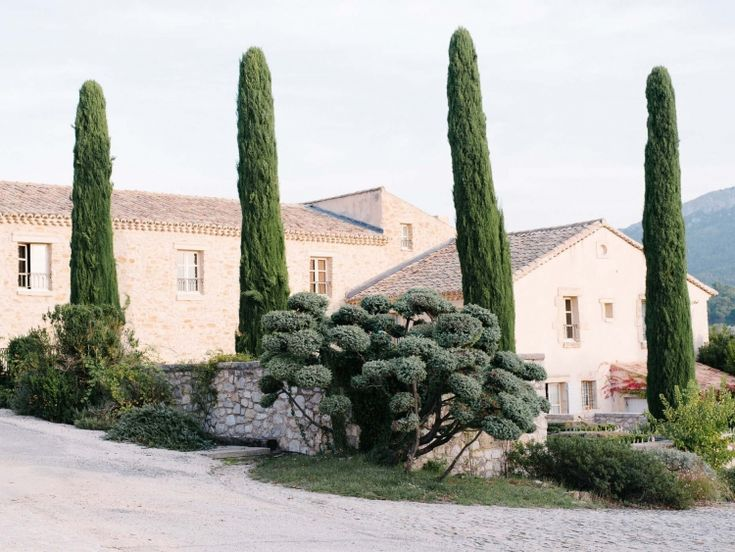 Kate Holstein Travel: Tuscany, Mallorca, Andalucia - Simple + Beyond