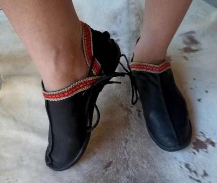Sapato Sapatilha Alta em Couro com Solado em Pneu Reciclado - Arte Nativa Ateliê