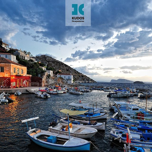 One of the most historic places in Greece remains still untouched by modern day anxieties!!! You can be sure to relax in one of the most elegant settings, and live a simple and pure life... stress free!!!#kudos_life_experiences #greek_experience #luxury_e