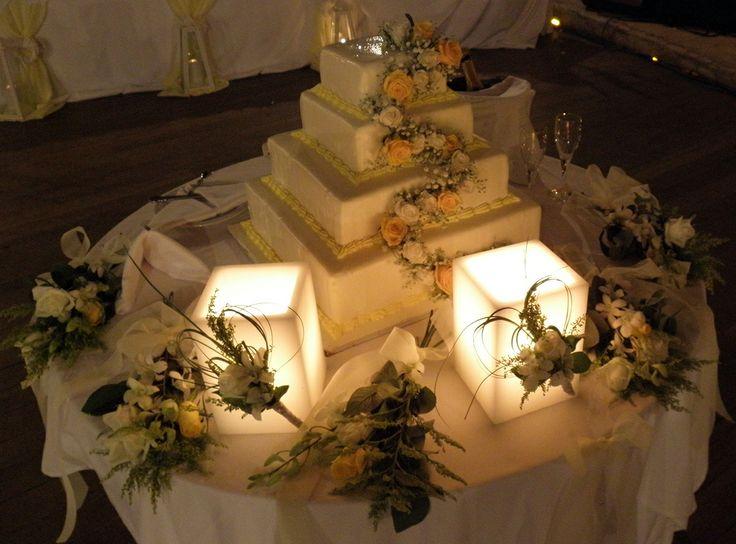 στολισμός γαμήλιας τούρτας