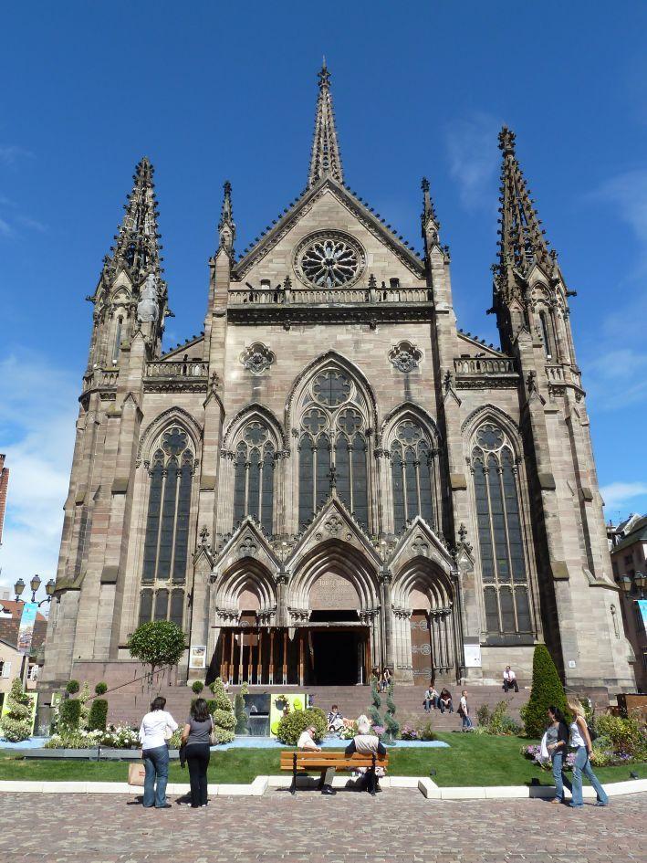 Le temple Saint-Étienne est très très beaux.