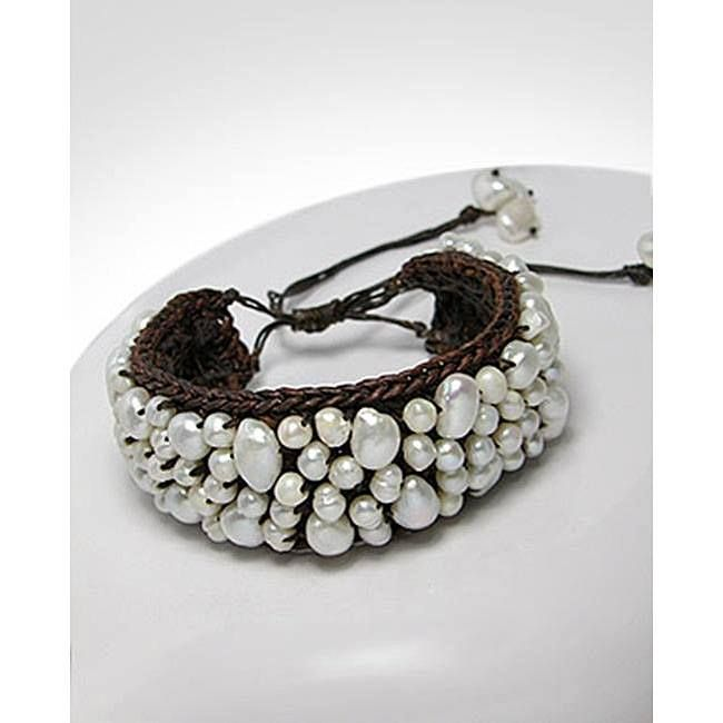Brazalete tejido en perlas