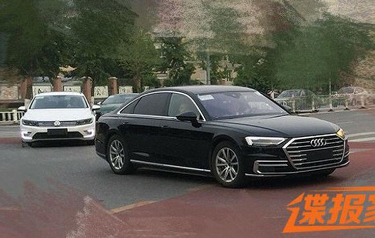 Sedan hạng sang cỡ lớn Audi A8L 2018 chạy ngoài đường phố