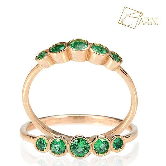 Back to simple and classy shapes..to wear everyday! #carinigioielli #emerald #diamonds #gold #engaged #engagementring #proposal #heaskedshesaidyes #shesaidyes #iwill #ido #brides #bridetobe #futurebride #girly #etsyshop #etsyseller #etsyjewelry #handmade #madeinitaly #goldsmith #custommade
