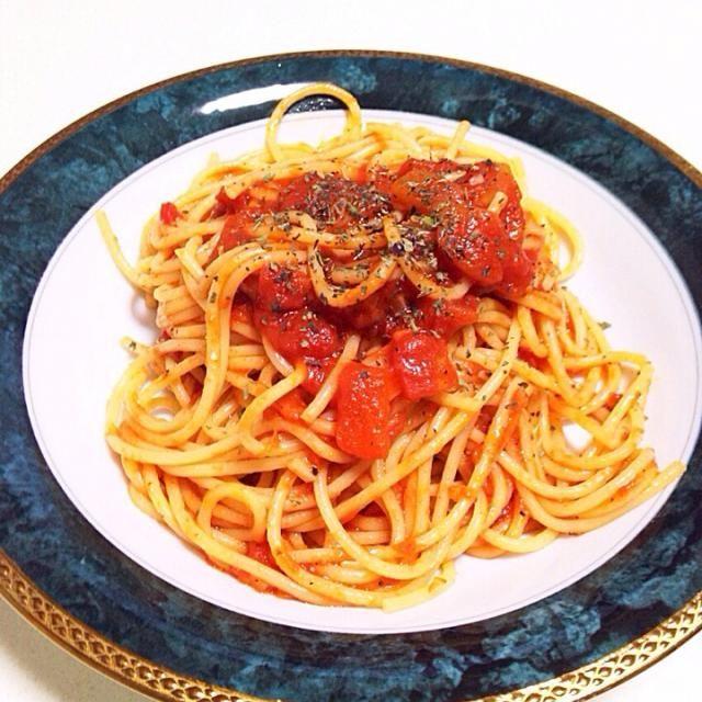 カルディのトマト缶(ダイスカット)を使って簡単に作れました - 11件のもぐもぐ - ポモドーロスパゲッティ by kohiro237