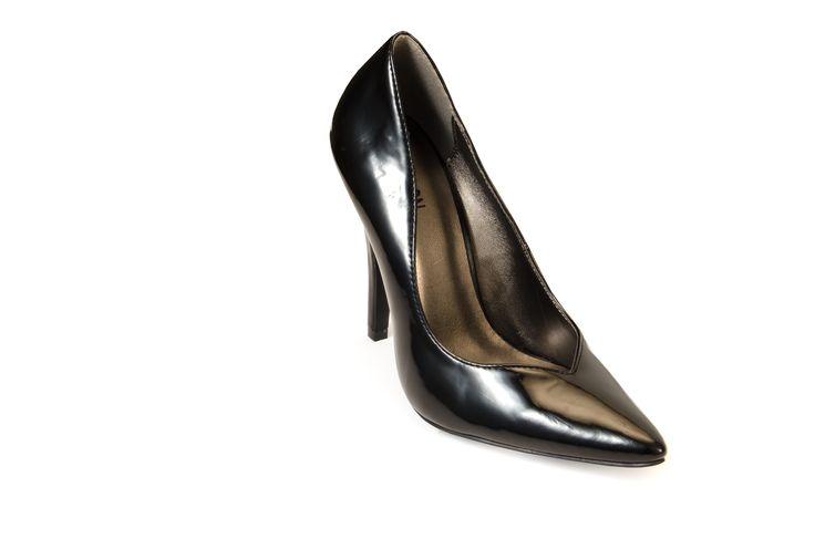 SAN FRANCISCO Black R399.00 from www.madisonheartofnewyork.com follow us on Twitter @Madison Shoes SA