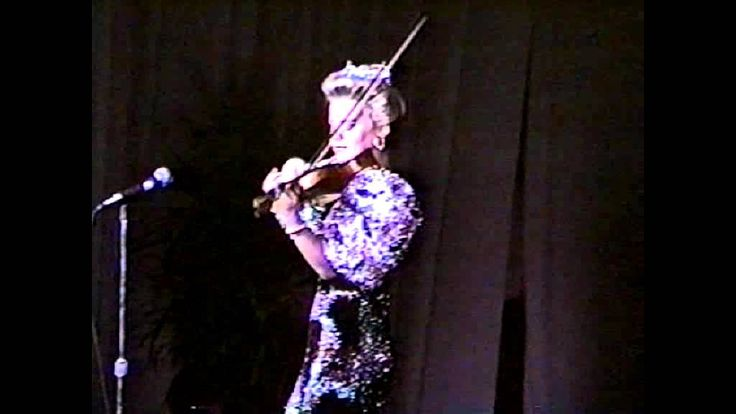 Gretchen Carlson Miss America 1989 featured speaking and playing her violin at the Miss Washington 1989 pageant.